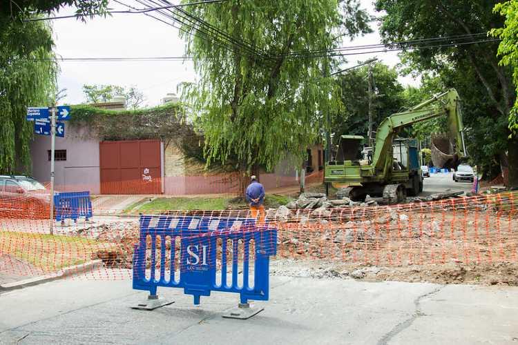El municipio de San Isidro renueva asfaltos en Martínez