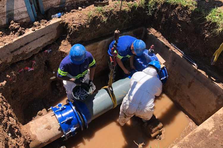 AySA renovó una válvula de gran porte para mejorar el servicio de agua a 10.000 vecinos de San Miguel