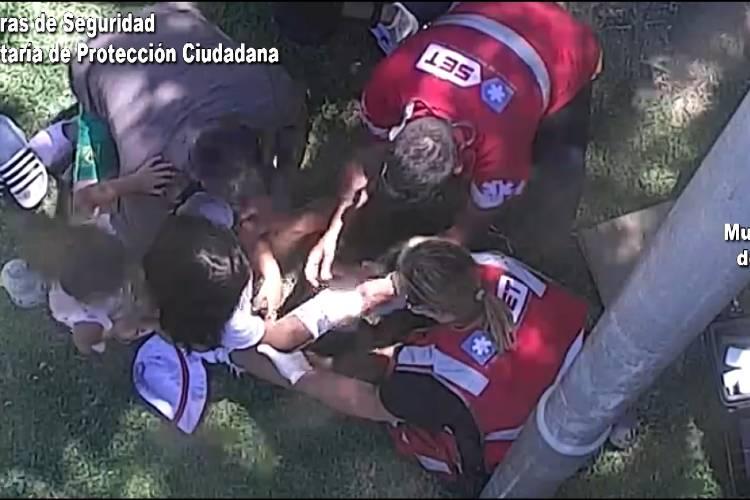 En Tigre asisten a una niña accidentada en una plaza