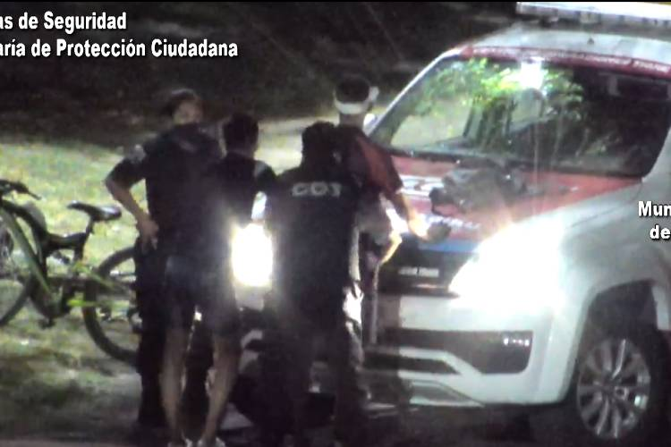 Cámaras de Seguridad: Dos detenidos por robar en una casa de Pacheco