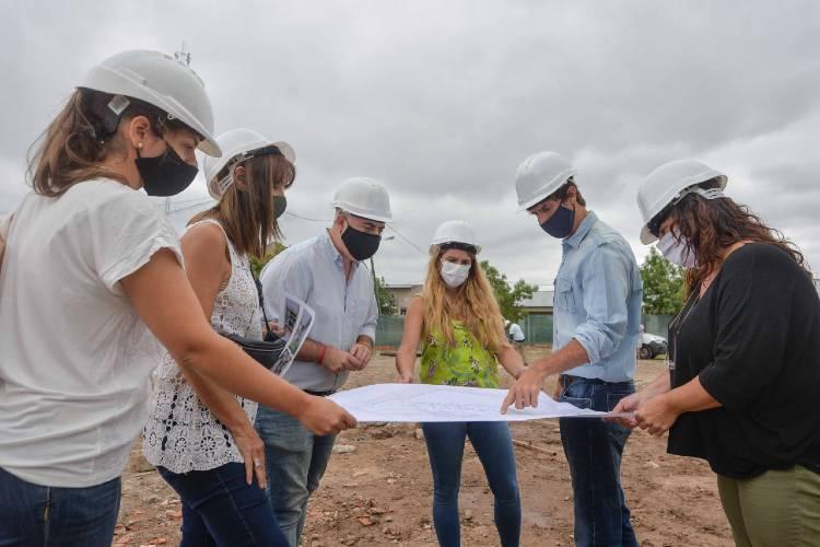 Juan Andreotti recorrió la obra de la nueva Escuela Municipal de Oficios en el barrio San Jorge