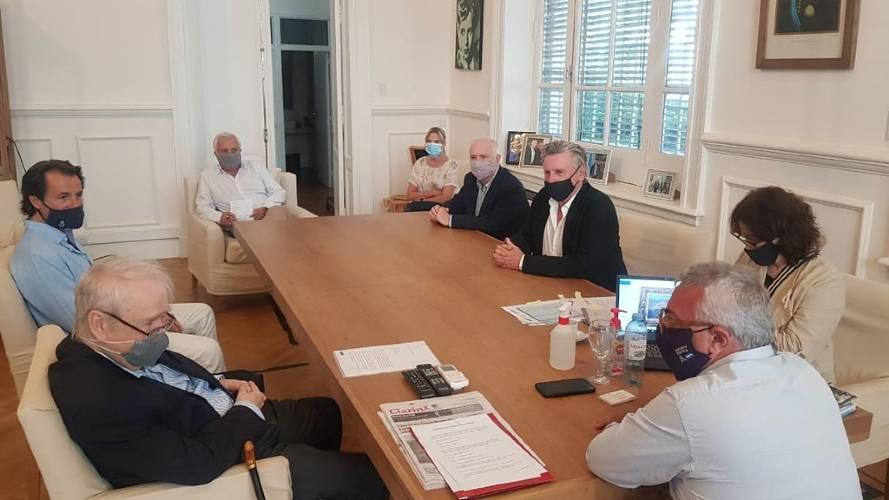 El intendente Julio Zamora recibió en su despacho al coleccionista Carlos Franck