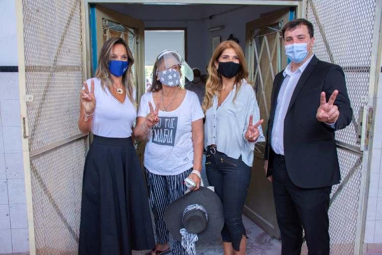 Malena Galmarini y Alejo Chornobroff habilitaron una red de cloacas que beneficiarán a más de 7400 vecinos de Avellaneda