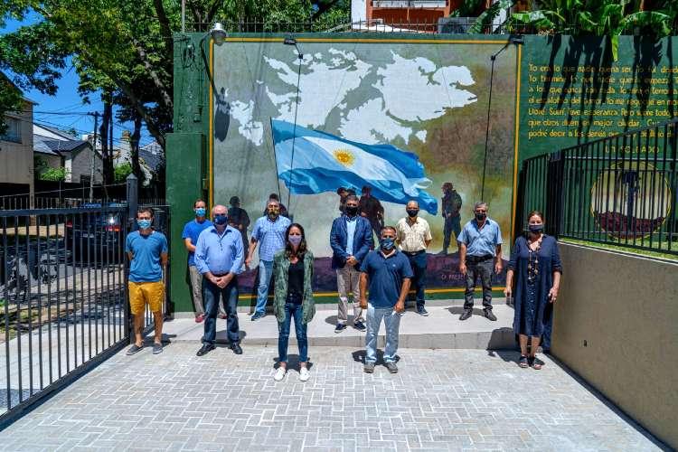 El Centro de Veteranos de Malvinas presentó su mural en honor los ex combatientes y caídos