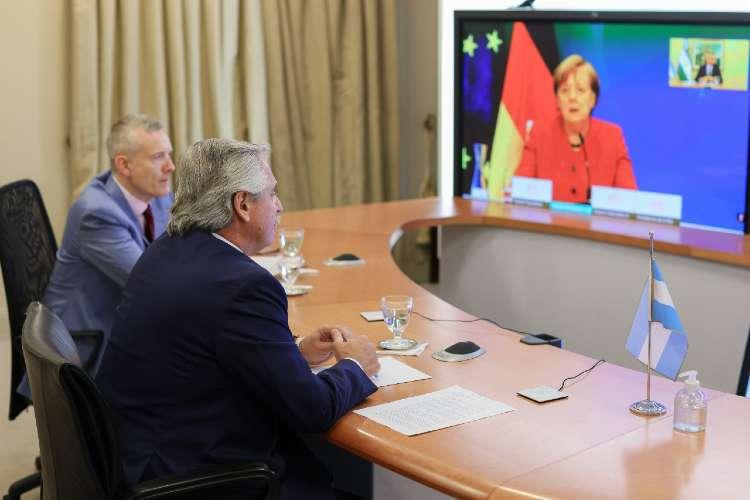 El presidente mantuvo una comunicación de 40 minutos con la Canciller Alemana Angela Merkel.
