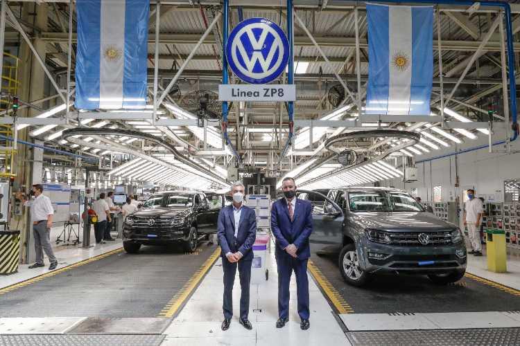 Mario Meoni visitó la planta de Volkswagen en Pacheco