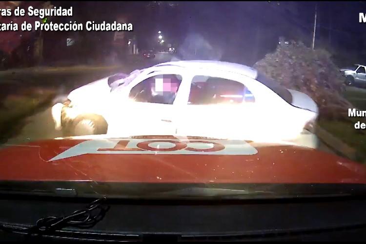 En Tigre intentaron huir con un auto robado y chocaron violentamente