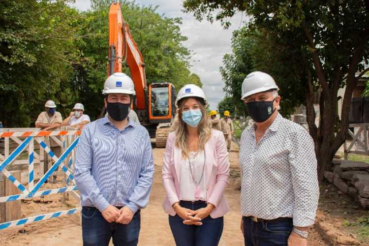 Malena Galmarini y Leonardo Nardini recorrieron una obra de agua potable en Malvinas Argentinas
