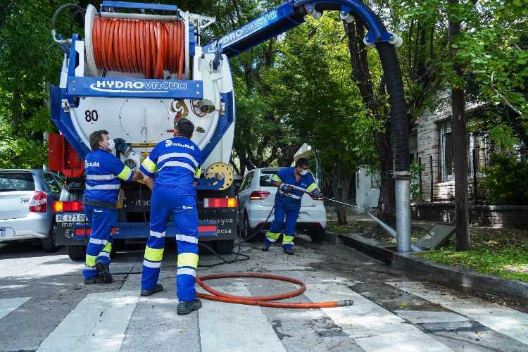 Vicente López continúa la limpieza de sumideros para prevenir inundaciones inundaciones