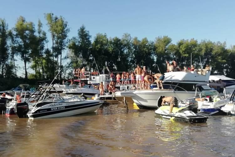 San Isidro: Prefectura desarticuló una fiesta clandestina en el agua
