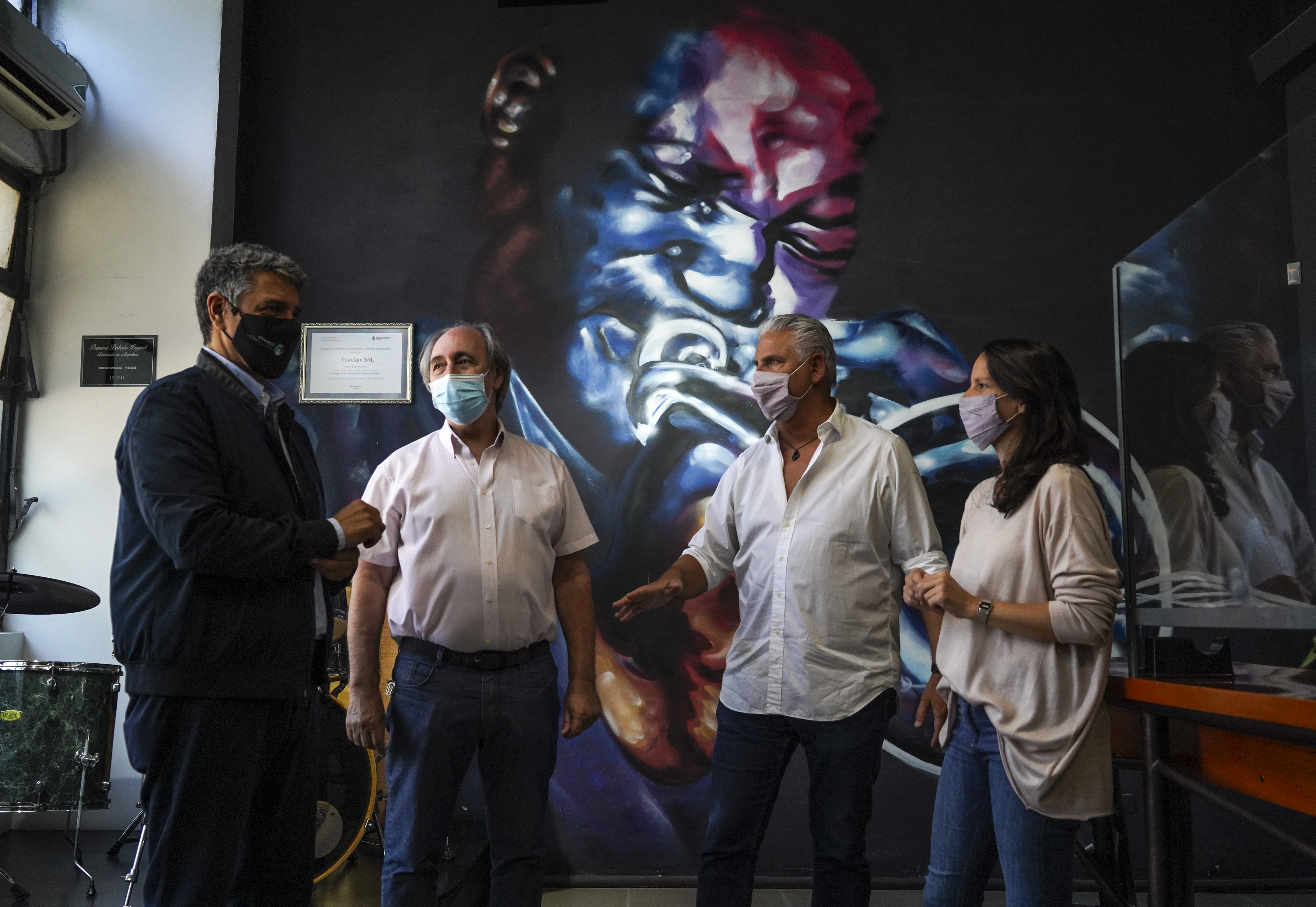 Vicente López reconoce a empresas locales