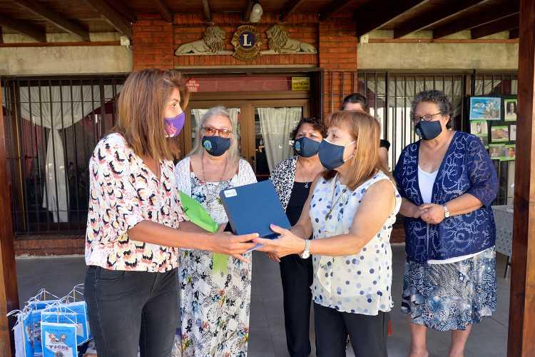Gisela Zamora participó de un homenaje a la mujer en el Club de Leones
