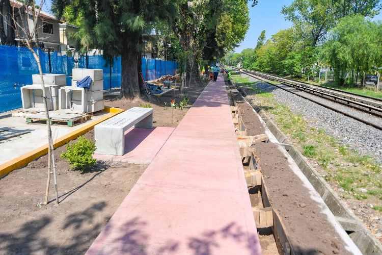 Juan Andreotti recorrió con autoridades de ADIF la obra del nuevo Paseo Aeróbico en la calle Mansilla