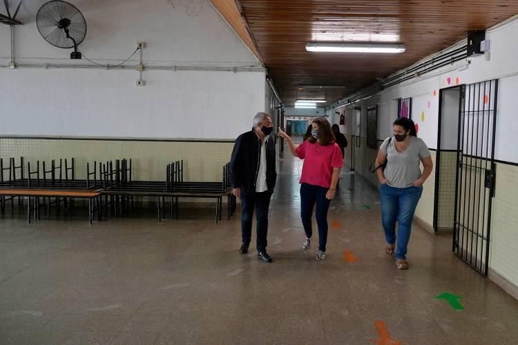 Julio Zamora, recorrió obras de inversión municipal en escuelas