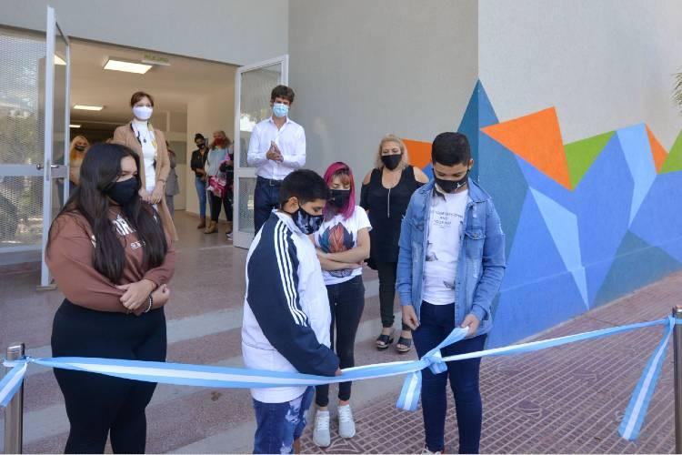 Juan Andreotti inauguró una renovada Secundaria N°1 en el Barrio Infico