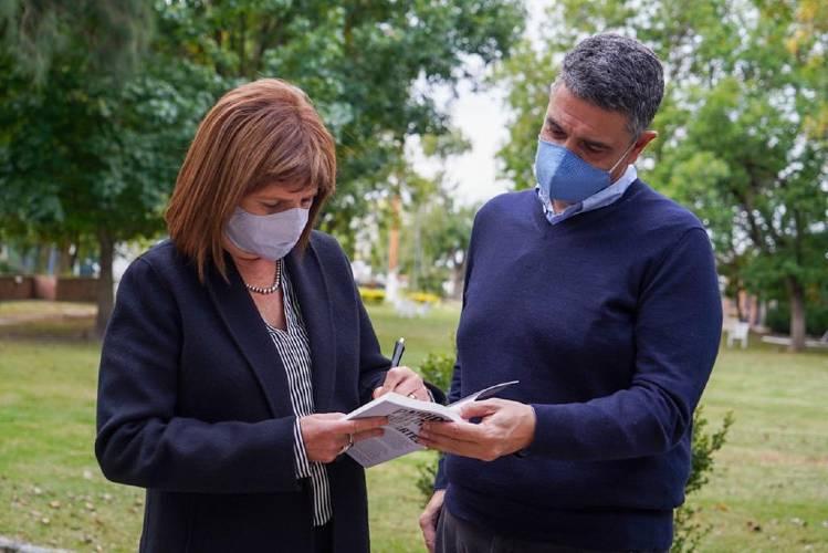 Patricia Bullrich presentó su libro junto a Jorge Macri en Vicente López