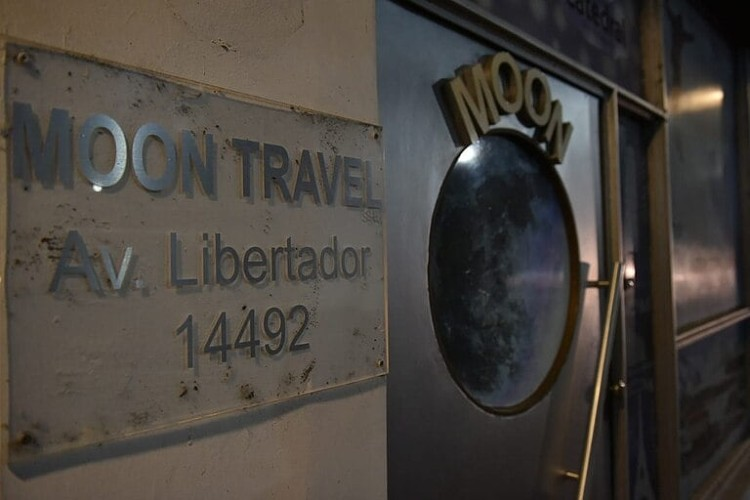 Allanan la agencia de viajes Moon Travel por los PCR falsos de egresados que viajaron a Cancún