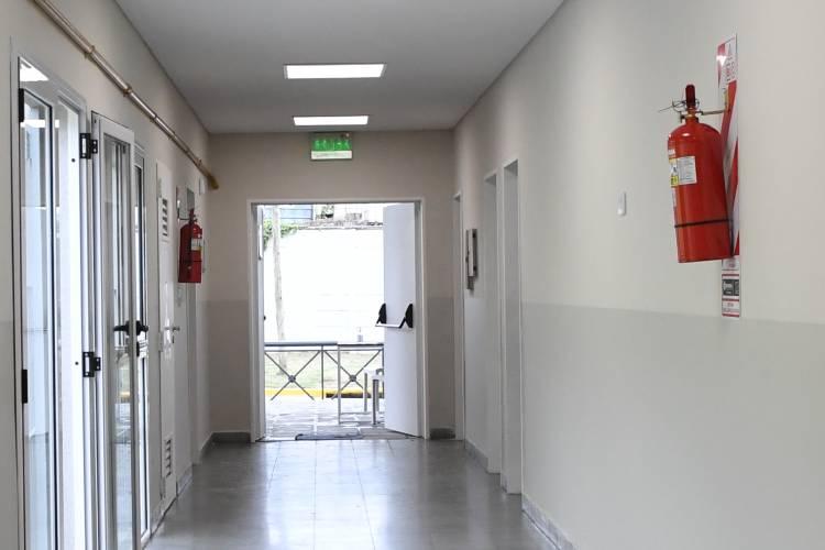 El Municipio de San Fernando instaló matafuegos en las 7 escuelas renovadas