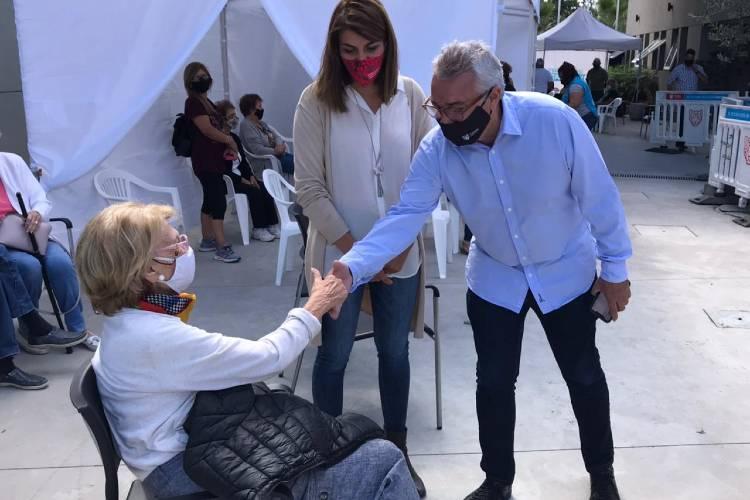 Julio Zamora acompañó una nueva jornada de vacunación en Benavídez