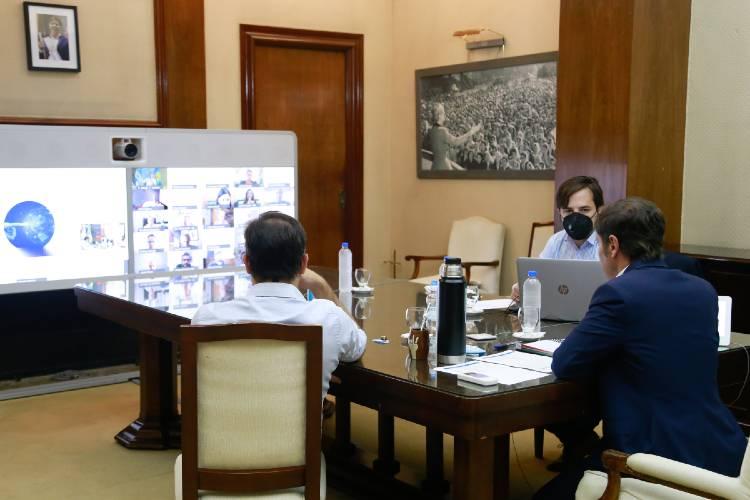 Kicillof se reunió con el Comité de Expertos para evaluar nuevas medidas