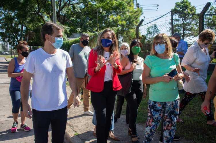 Malena Galmarini incorporó a 5000 vecinos del Barrio BASI de Boulogne a las redes cloacales de AySA