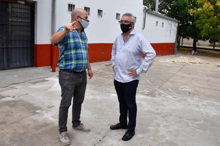 El intendente Julio Zamora monitoreó trabajos de mantenimiento en más escuelas de Tigre