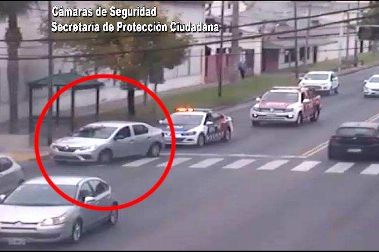 Tras una persecución de película recuperan a un automóvil con pedido de captura