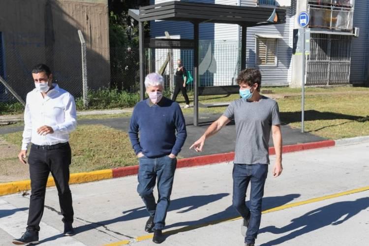 Juan Andreotti presentó la finalización de la repavimentación de la calle Carlos Casares