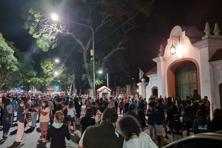 Cacerolazo en la Quinta de Olivos tras las medidas anunciadas por el presidente