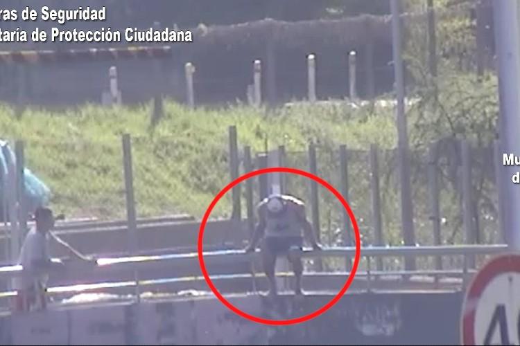 Cámaras de Seguridad: Evitaron un intento de suicidio en Tigre