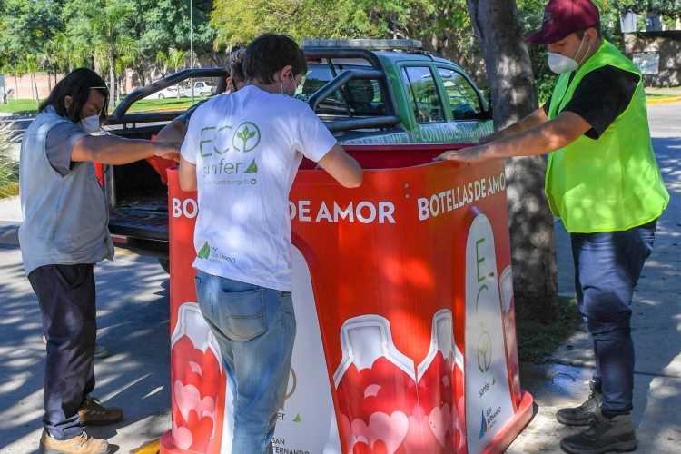 San Fernando instaló nuevas campanas de Botellas de Amor