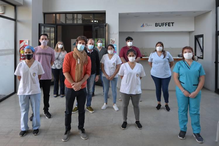 Juan Andreotti visitó el vacunatorio contra COVID-19 que se preparó en el Centro Universitario Municipal