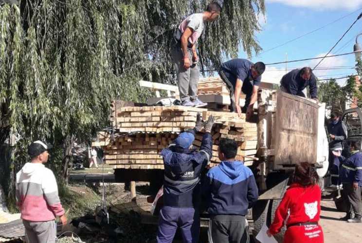 El Municipio de Tigre, Provincia y Nación asisten a las familias de Las Tunas afectadas por el temporal