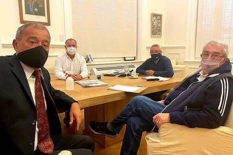 Julio Zamora destacó la colaboración del Rotary Tigre para fortalecer el sistema de salud del distrito durante la pandemia
