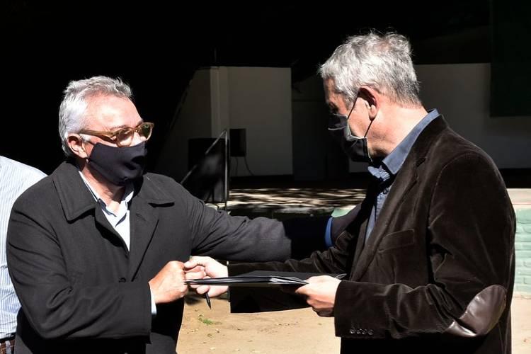 Julio Zamora y Jorge Ferraresi firmaron un convenio de colaboración para implementar el Plan Casa Propia