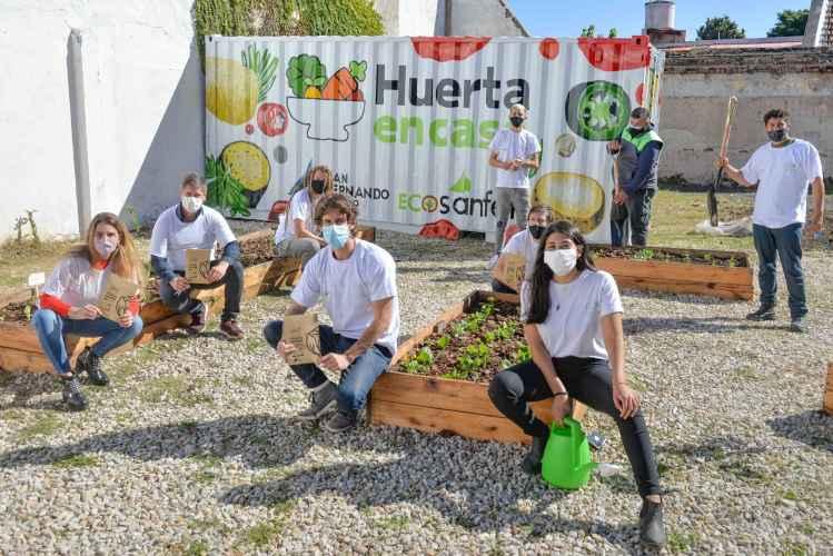 "Juan Andreotti lanzó la tercera edición de ""Huerta en Casa"""