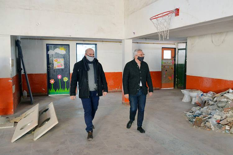 Julio Zamora monitoreó la puesta en valor de escuelas, jardines y espacios públicos de Tigre