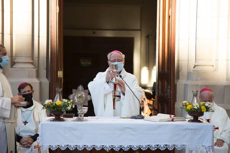 La ceremonia religiosa, presidida por el Obispo de San Isidro, monseñor Oscar Ojea