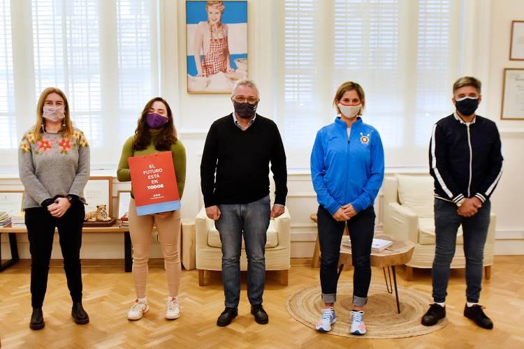 Julio Zamora recibió a Milka Kraljev y la tenista Micaela Ailen Medina