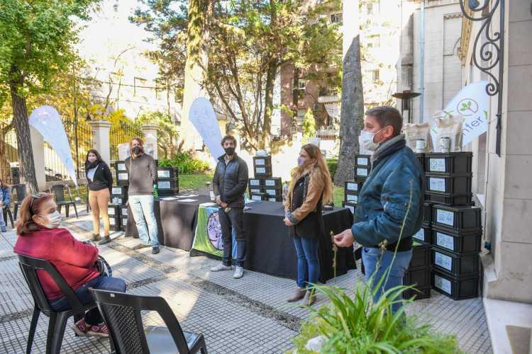 Juan Andreotti acompañó la clase final del primer curso virtual de compostaje de Eco Sanfer