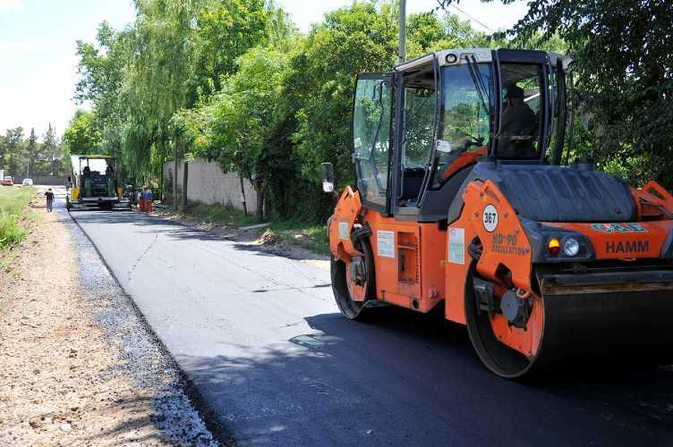 Tigre construye nuevos pavimentos en Benavídez ()