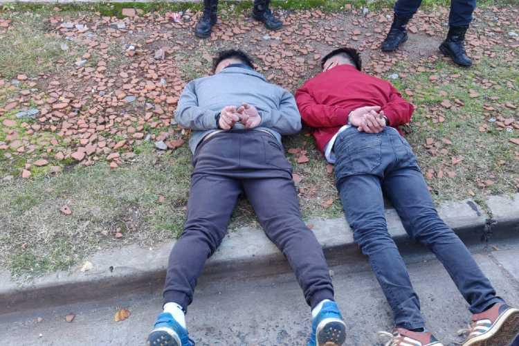 Detienen en San Isidro a dos hombres que robaban autos con inhibidores de alarma