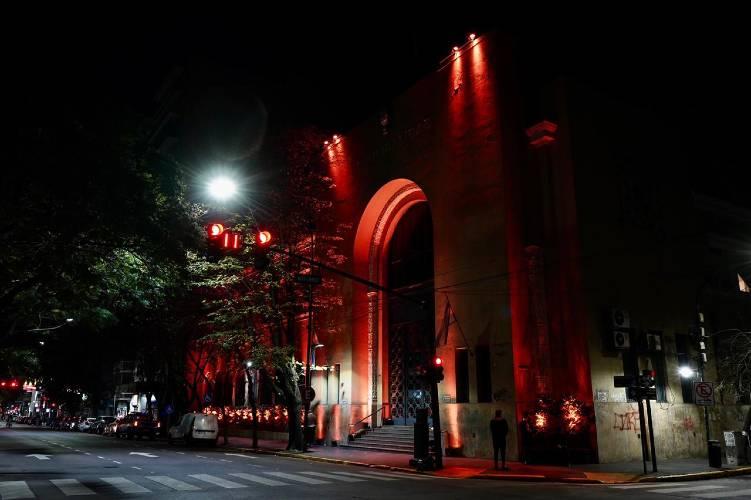 Vicente López iluminó la Municipalidad por el Día Mundial de la Esclerosis Múltiple