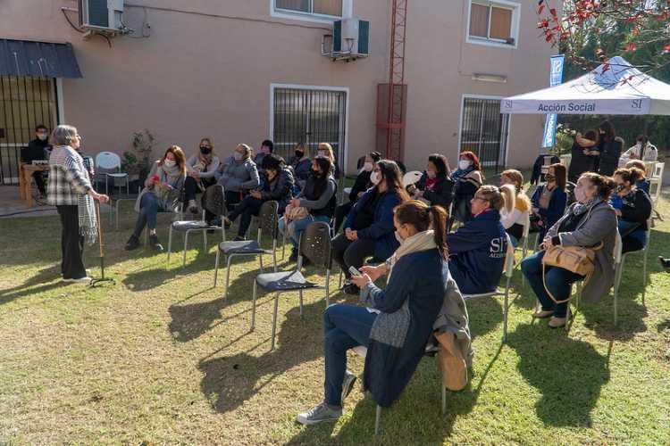 Hilda Molina brindó una charla a promotoras sociales de San Isidro
