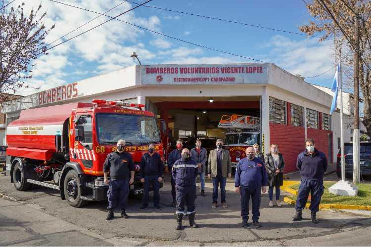 Jorge Macri reconoció a los bomberos en su día