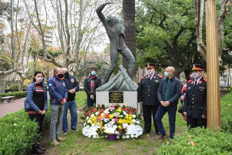 El Municipio homenajeó a los Bomberos Voluntarios de San Fernando en su día