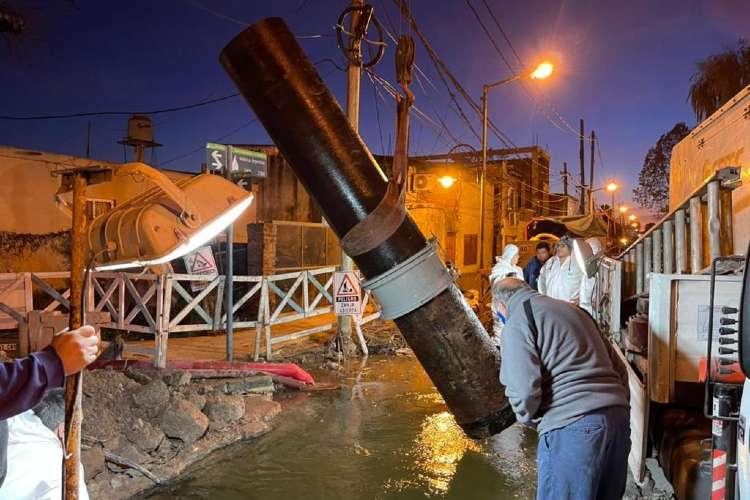 AySA finalizó la reparación de una importante cañería averiada por terceros en San Fernando.