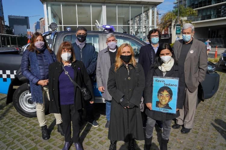 Jorge Macri mostró a familiares de víctimas un destacamento de seguridad de Vicente López