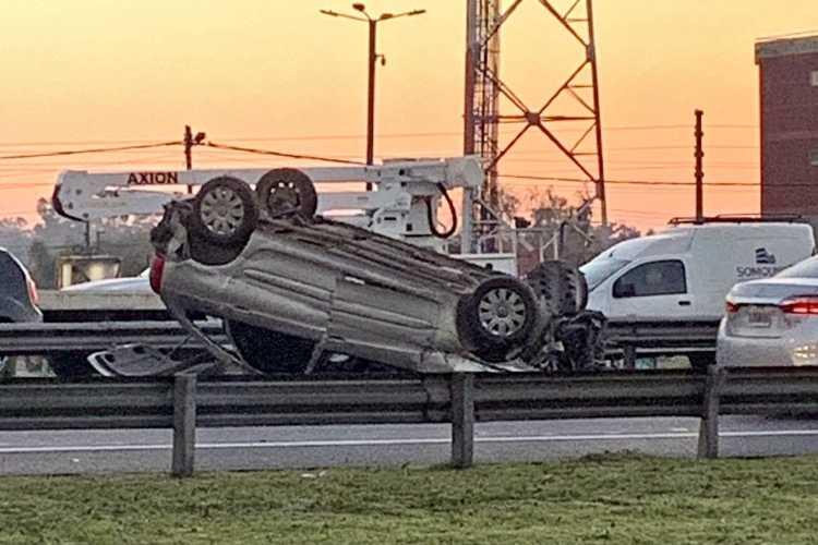 Dos choques múltiples generaron grandes demoras en la autopista Panamericana a la altura de Escobar