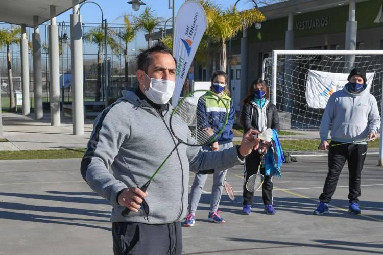 San Fernando presentó al Bádminton como nueva disciplina de sus Polideportivos